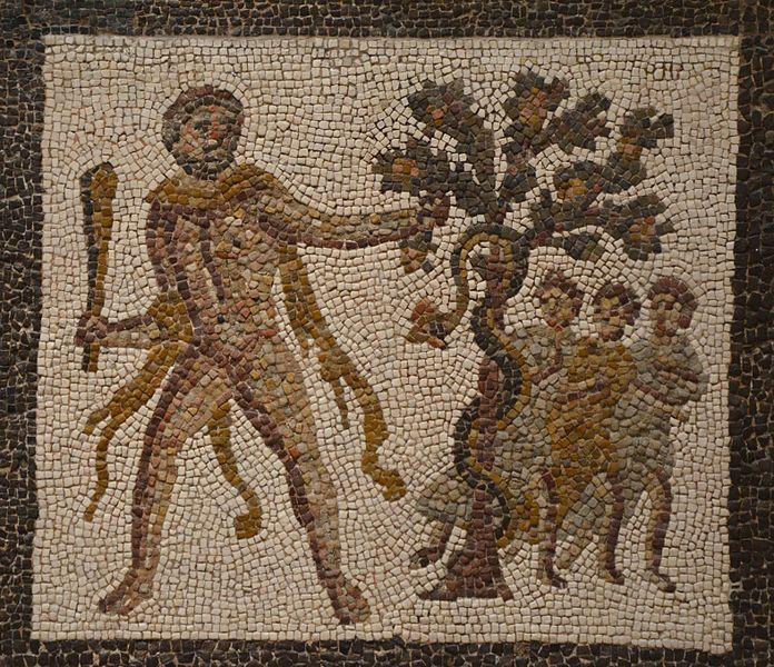 Archivo: Detalle del mosaico con los trabajos de Hércules (Undécimo labour - Manzanas de las Hespérides), siglo III dC, encontrado en Llíria (Valencia), Museo Arqueológico Nacional de España, Madrid (15457081602) .jpg