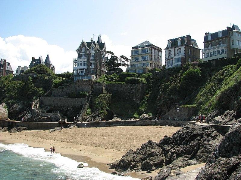 Fichier:Dinard-Villas vues de la plage-2007-08-08.jpg