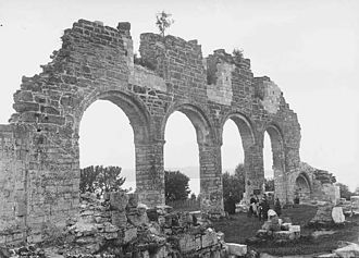 Mogens Lauritssøn - Ruins of the Cathedral of Hamar in the 1890s, photographed by Axel Lindahl ( 1841 – 1906 ).