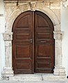 Door in Rethymno 02.jpg