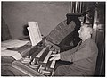 Dori CHAUVIN (1899-1979) - à l'orgue de l'église Notre-Dame de Rennes - 1960.jpg