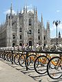 Duomo di Milano con i bici.jpg