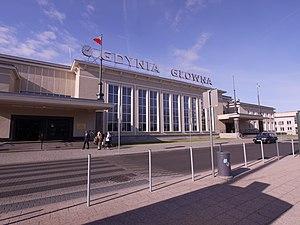 Dworzec Gdynia Główna z pl. Konst. (2)
