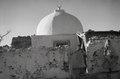 ETH-BIB-Frauen vor einer Moschee in Oran-Nordafrikaflug 1932-LBS MH02-13-0164.tif