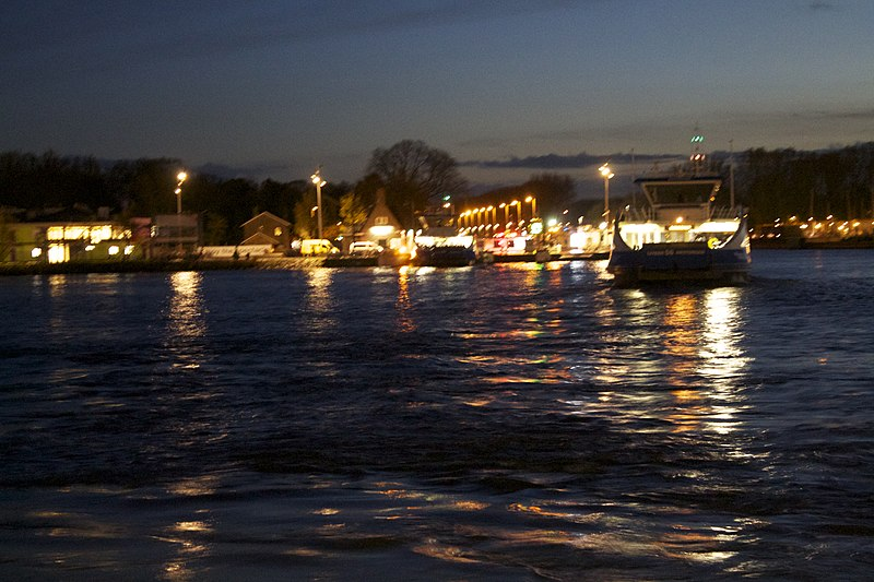 File:Early in the morning , Amsterdam , Netherlands - panoramio (10).jpg