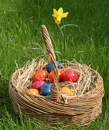 English: Easter eggs Deutsch: Osterreier im ge...