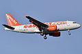 EasyJet, G-EZII, Airbus A319-111 (16455776952).jpg