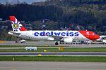 Edelweiss Air Airbus A320-214 HB-IHY (26443981163).jpg