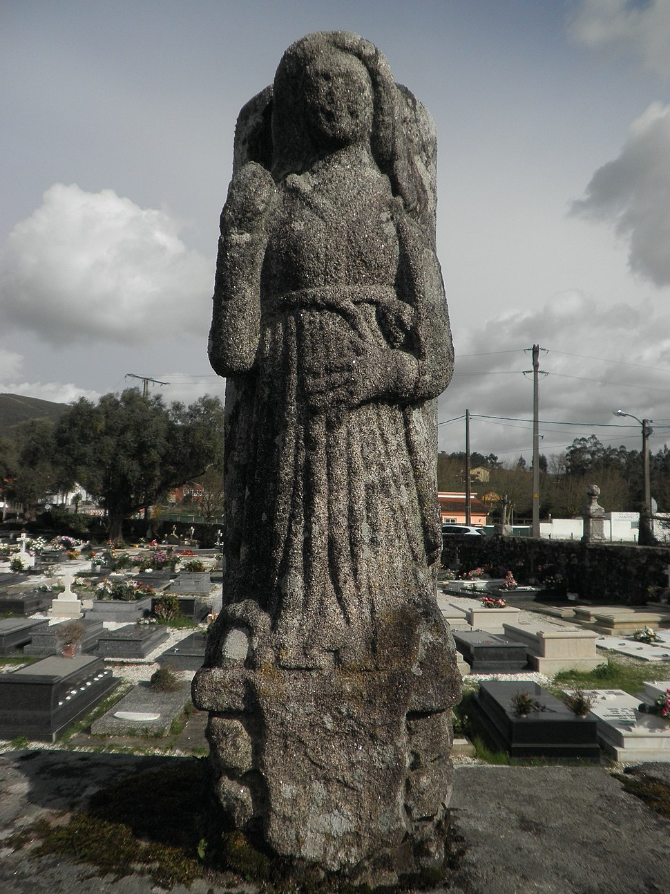 Efixie no valado arredor do cemiterio.