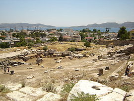 View over the excavation site towards Eleusis and the خلیج سارونیک.
