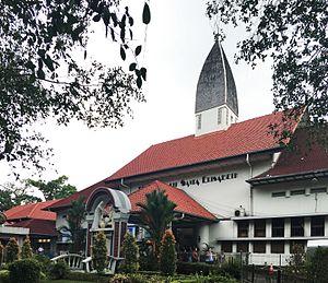 Han Groenewegen - Medan's St. Elisabeth's Hospital is among Groenewegen's earliest work in the Indies.
