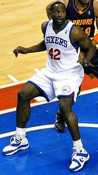 Elton Brand vs Warriors cropped.jpg