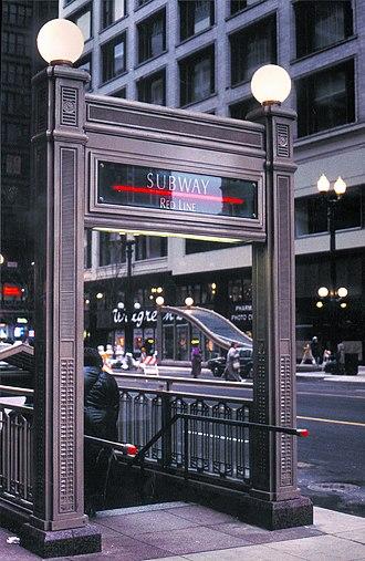 Monroe station (CTA Red Line) - Station entrance