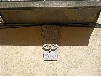 Vinebre - Coat of arms on Ca Martí, a national monument