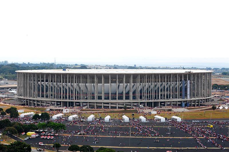Ficheiro:Estádio Nacional de Brasília.JPG