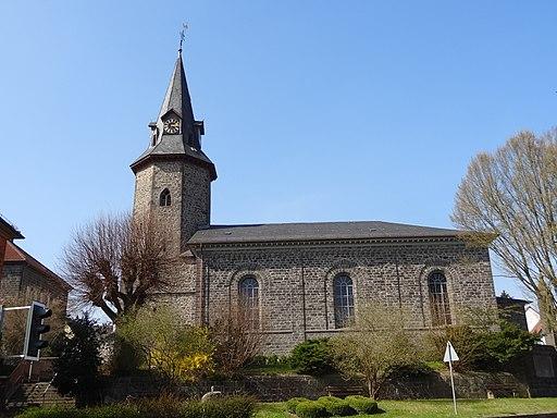 Evangelische Kirche Beuern Außen 02