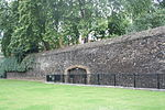 FORMER DOCK RETAINING WALLS TO MOAT AROUND JEWEL HOUSE, OLD PALACE YARD SW1 11.JPG