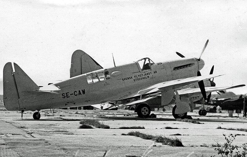 File:Fairey Firefly TT.1 SE-CAW Svensk Flyg RWY 09.55 edited-2.jpg