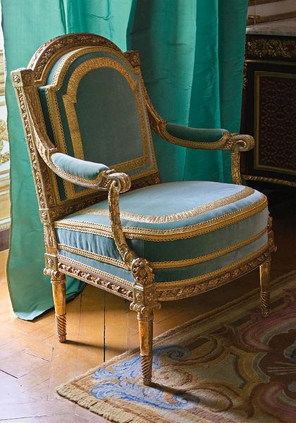 Fichier:Fauteuil Georges Jacob Cabinet dore Reine Versailles.jpg