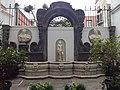Fontana Palazzo Costantinopoli.jpg