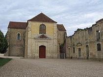 Fontmorigny, église abbatiale.jpg