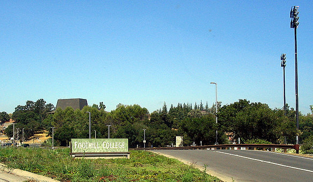 Foothill College Entrance