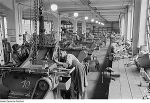 Machine factory - The assembly of a machines around 1950.