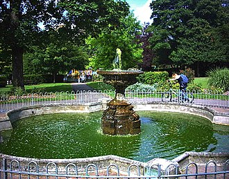Parks and open spaces in the London Borough of Sutton - Fountain in Manor Park, Sutton Town Centre