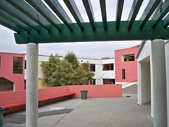 Fremont High School (Oakland, California) - Fremont High School's courtyard
