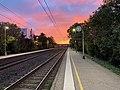 Gare de Saint-Maurice-de-Beynost et joli ciel (levée du soleil) en octobre 2020 (1).jpg