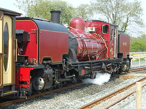 Pont Croesor railway station - Garratt NGG16 No. 138 at Pont Croesor on a Caernarfon bound train