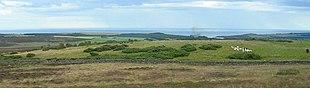 La Fortificazione romana di Raedykes, vicino alla costa di Aberdeen, vista dal settentrione.