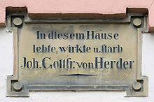 Gedenktafel seines Hauses am Herderplatz 8 (Quelle: Wikimedia)