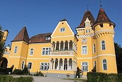 Georgi Schloss.jpg