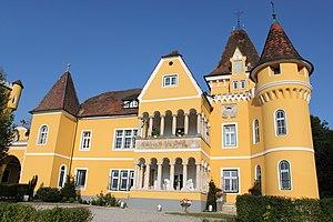 Georgi_Schloss.jpg