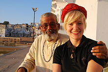 220px-Ghat%2C_Lake%2C_People_of_Pushkar_Rajasthan_India_2011 dans Luraghi