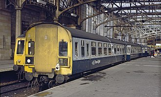 British Rail Class 126 - Image: Glasgow Central Cravens split code end Class 126 and Class 107