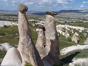 Göreme - Image: Goreme Fairy Chimneys Triple