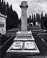 Grab von Arnold Böcklin (1827–1901) auf demFriedhof Cimitero Evangelico agli Allori in Florenz.jpg