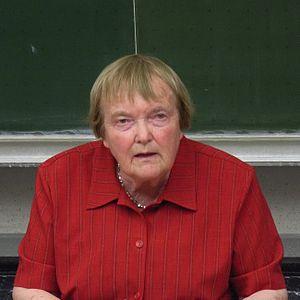 Pausewang, Gudrun (1928-)