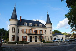 Hôtel de Ville, Saint-Chéron.jpg