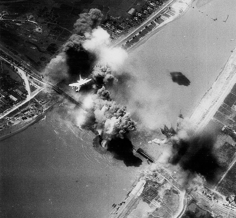 File Hai Duong Bridge Bombing 1972 Jpg Wikimedia Commons