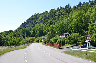 Halleberg - Halleberg seen from the main road to Vargön from the east