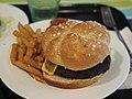 Hamburger at Antell Martintalo.jpg