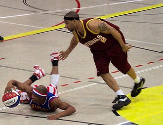 """Washington Generals - From 1995 to 2007 the team played as the """"New York Nationals"""" in maroon jerseys"""
