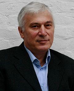 https://upload.wikimedia.org/wikipedia/commons/thumb/8/88/Hassan_Bakaev.jpg/240px-Hassan_Bakaev.jpg