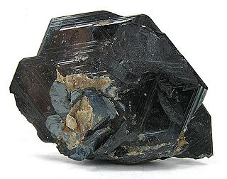 Rutile oxide mineral