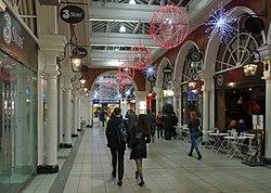 High Street Kensington tube station MMB 01.jpg