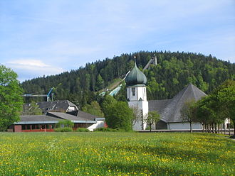 Hinterzarten - Hinterzarten: view of the church and Adler Ski Jump