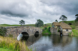 Hobbiton Movie Set - Hobbiton mill and double-arched bridge